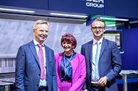 Die_Schröder_Group_Unternehmerfamilie_freut_sich_über_den_Erfolg_auf_der_Messe_(v._l.):_Franz_Schröder,_Gerlinde_Schröder,_Sebastian_Schröder.