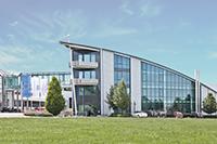 """Studierende_der_Dualen_Hochschule_Baden-Württemberg_(DHBW)_können_den_praktischen_Teil_des_Studiums_""""Bachelor_of_Engineering_–_Maschinenbau""""_bei_Hans_Schröder_Maschinenbau_absolvieren."""
